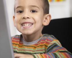 little-boy-learning